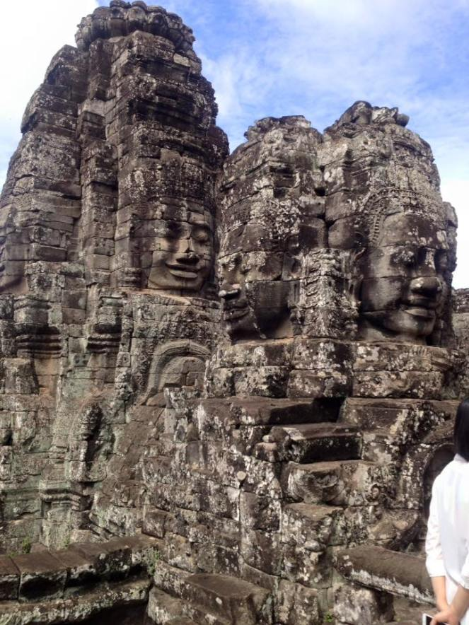 faces angkor